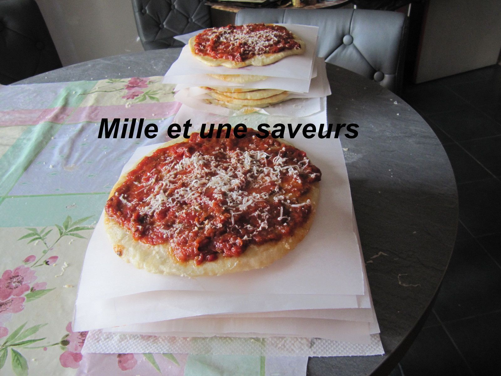 pizza maison mille et une saveurs dans ma cuisine. Black Bedroom Furniture Sets. Home Design Ideas