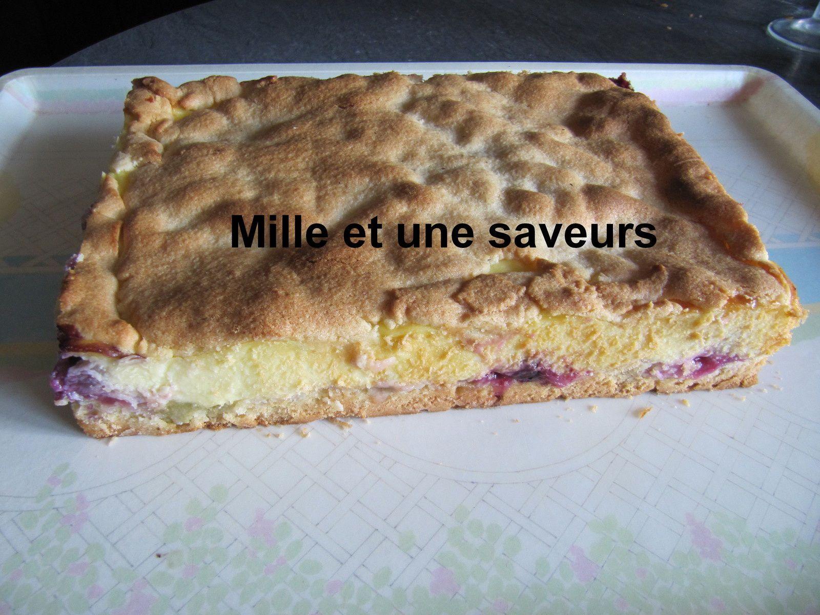 Gâteau crémeux à la rhubarbe et aux myrtilles