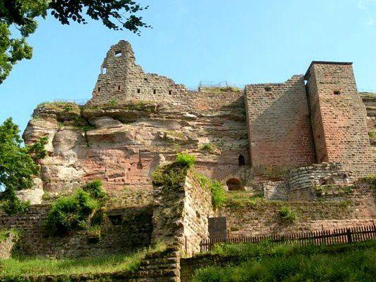 Mercredi 7 mai - Sortie séniors vers les châteaux de Loewenstein, Hohenbourg et Fleckenstein