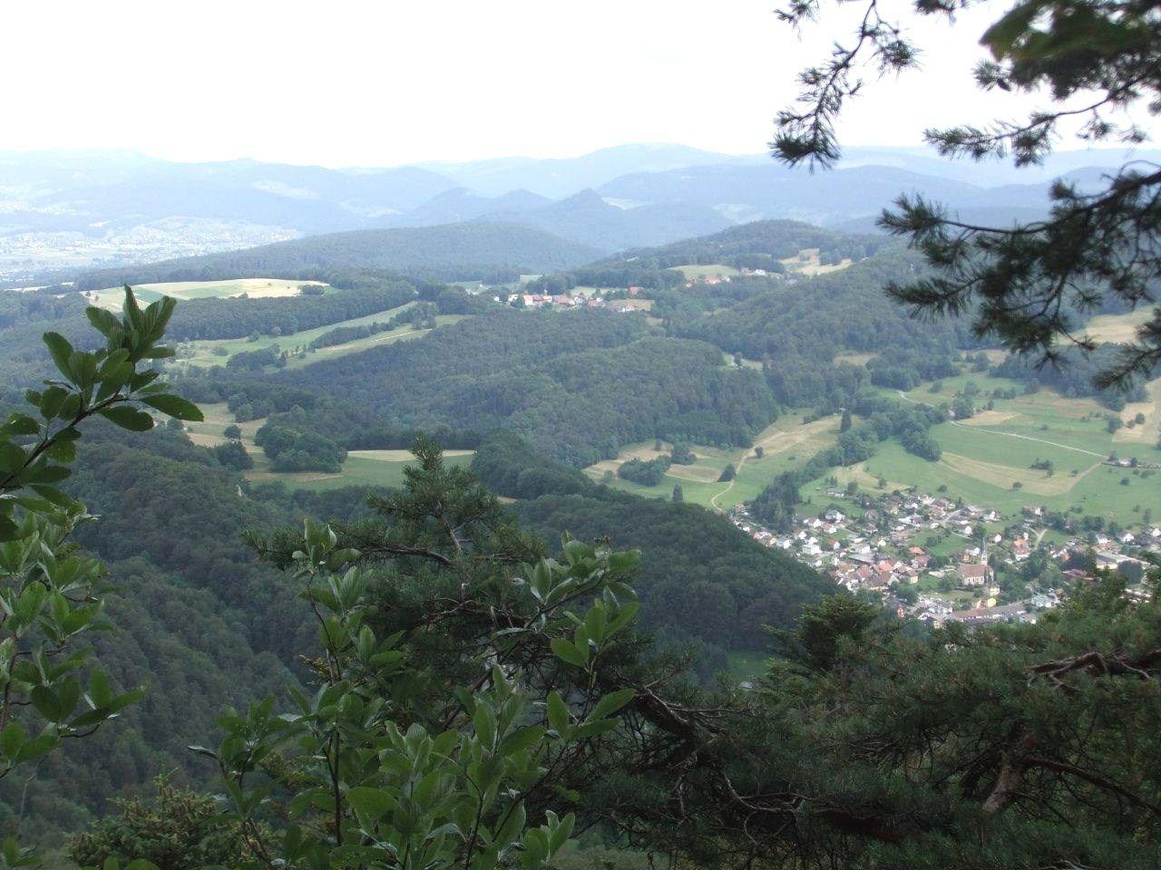 Mercredi 13 août - Randonnée à Ferrette et à Wolschwiller-Burg (Suisse)