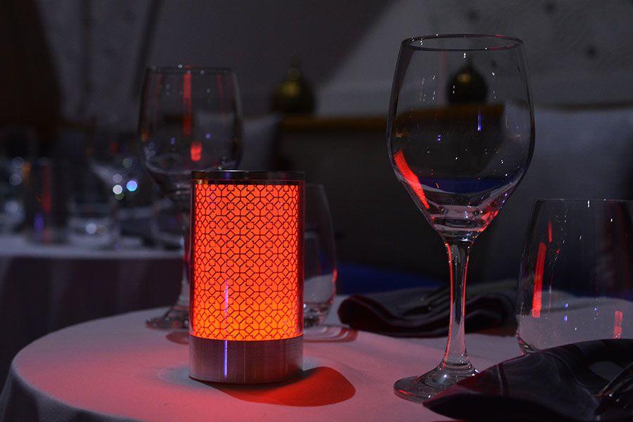 Lampes sans fil pour tous les professionnels : hôtel, restaurant, SPA, discothèque...Lampe de table Design sans fil LED rechargeable Gamme LUXE_PRESTIGE,BOUGIE LED,LUXÈSE