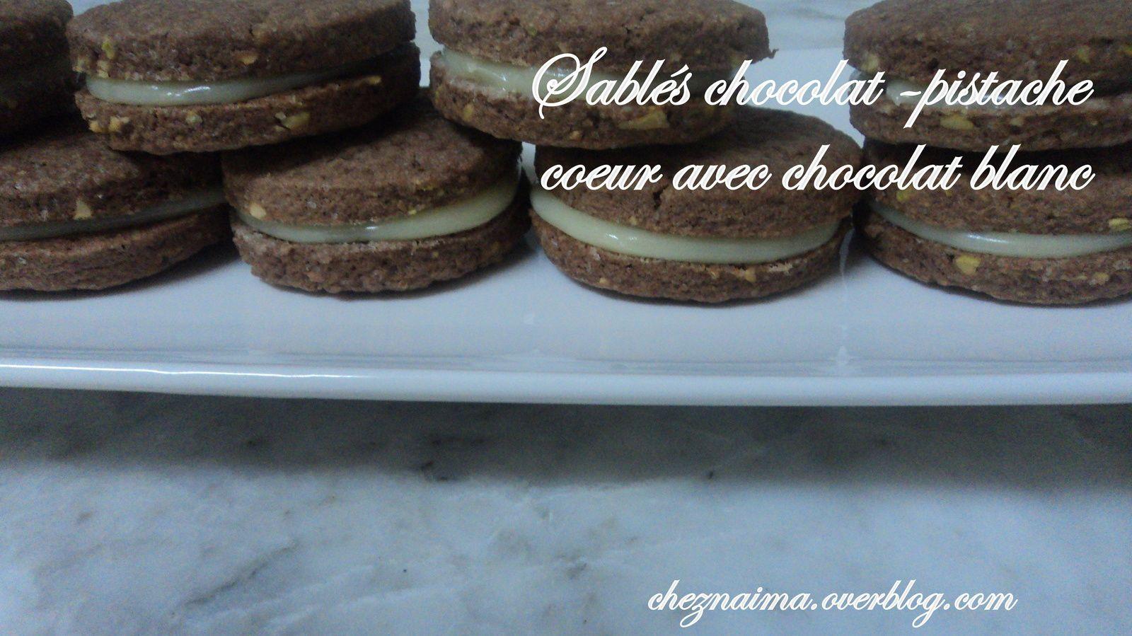 Sablés chocolat - pistache, coeur avec chocolat blanc