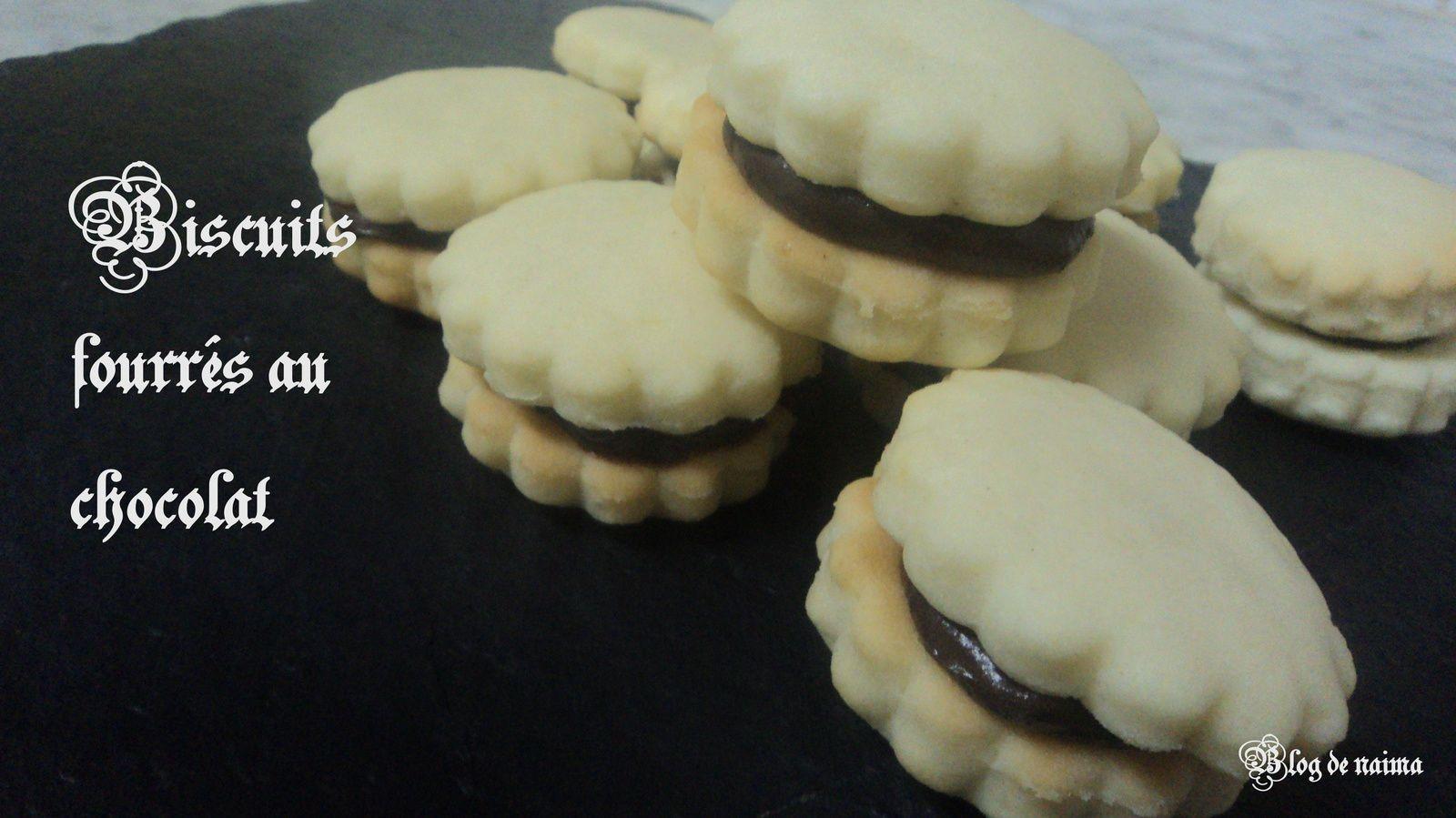 Biscuits fourrés au chocolat pour l'escapade en cuisine