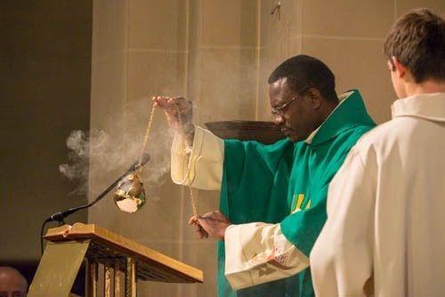 Retour en images sur la Messe d'installation du Père Jean-Parfait Cakpo.
