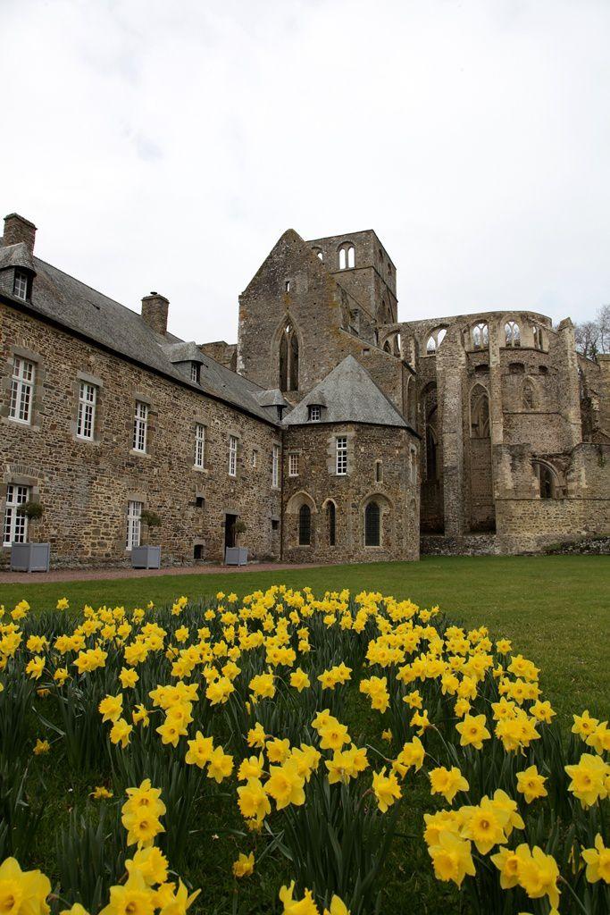 Le retable&#x3B; l'Abbaye et ses environs