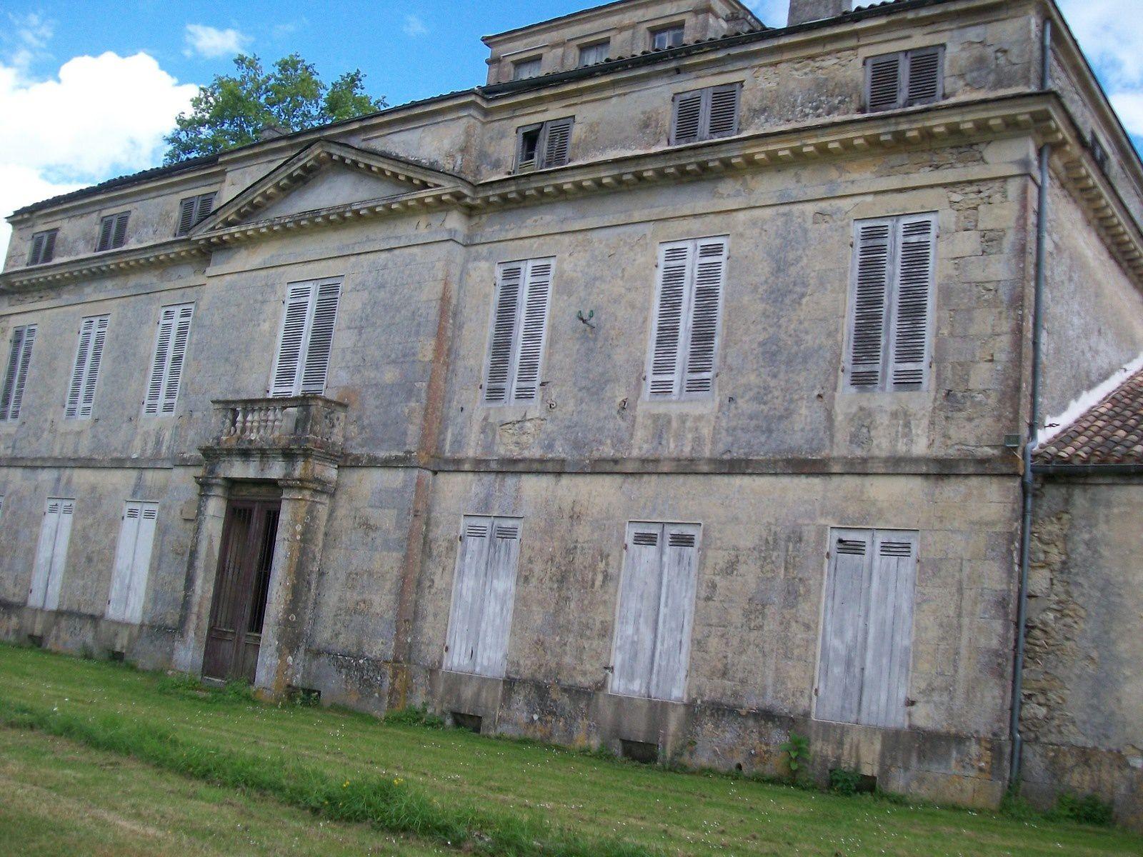 Samedi 30 mai 2015  La bastide de Sauveterre de Guyenne  &amp&#x3B; le Castel de Pommiers