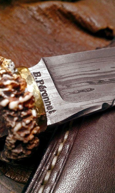 6. Confection d'étuis en cuir sur mesure