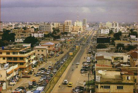Una vista de Cotonú, capital de Benín.- El Muni.