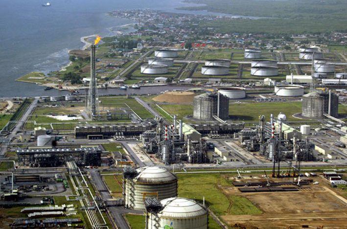 Angola supera a Nigeria como el mayor productor de petróleo en África.