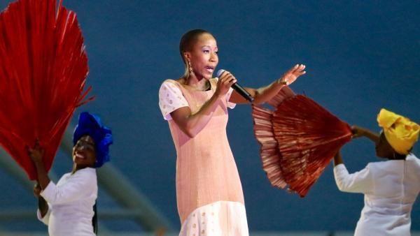 El cantante de Mali, Rokia Traoré, estuvo presente durante la ceremonia de clausura de la CAN. RFI / Pierre René-Worms.- El Muni.