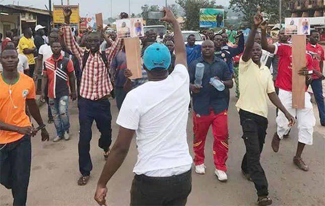 Muere en una comisaria de la policía gabonesa un  ciudadano de Burkina Faso: Detenido un oficial de policía.