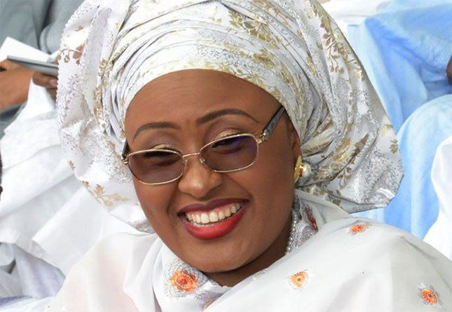Nigeria: Aisha Buhari, la primera dama que se rebela, desmarcándose públicamente de las políticas de su marido presidente.
