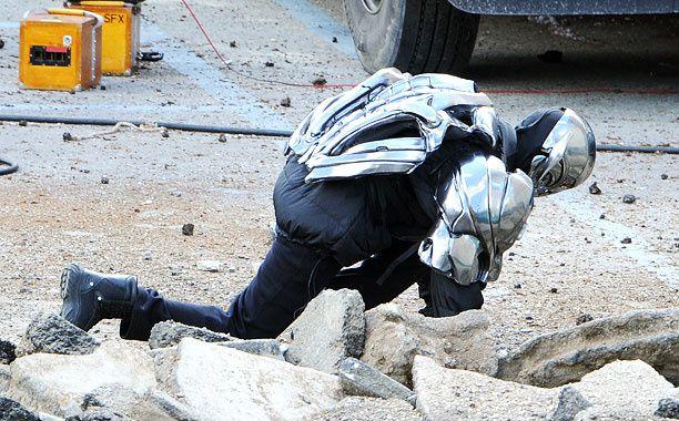 Avengers 2 : photos de tournage avec Hawkeye, Sorcière Rouge et Vif-Argent