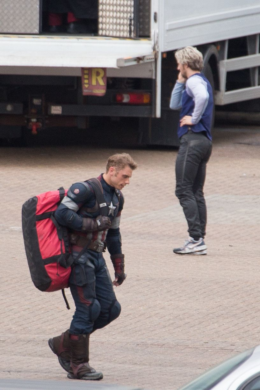 Avengers 2 : photos de tournage avec Vif-Argent, Captain America…