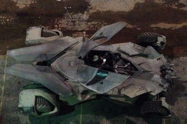 Batman v Superman : photos de la Batmobile !