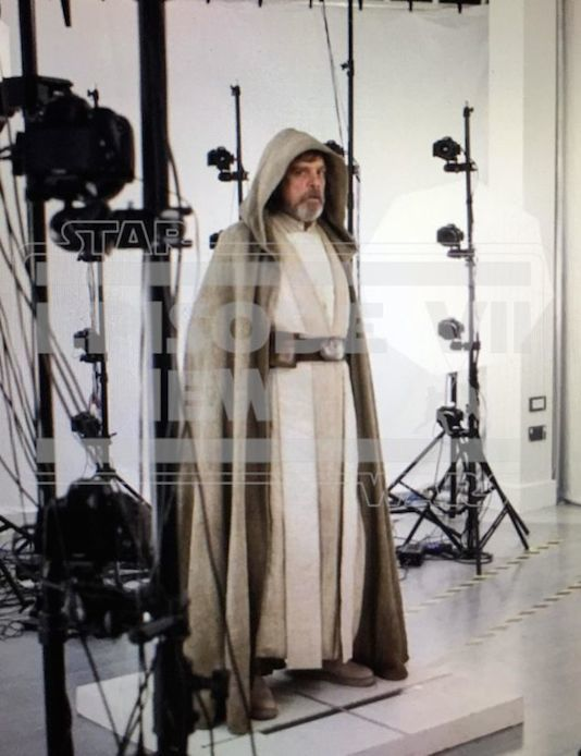 Star Wars 7 : la toute première photo de Mark Hamill en Luke Skywalker