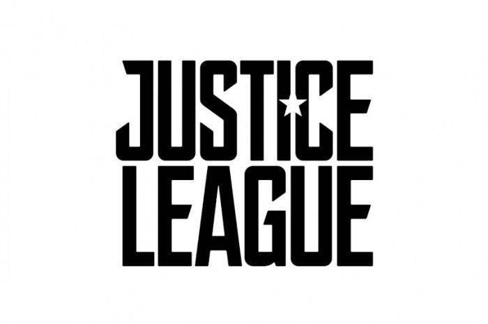 Justice League : photo de la Batmobile, logo et synopsis