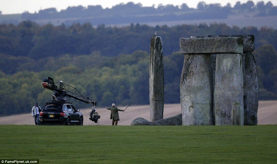 Transformers The Last Knight : Michael Bay fait exploser Stonehenge