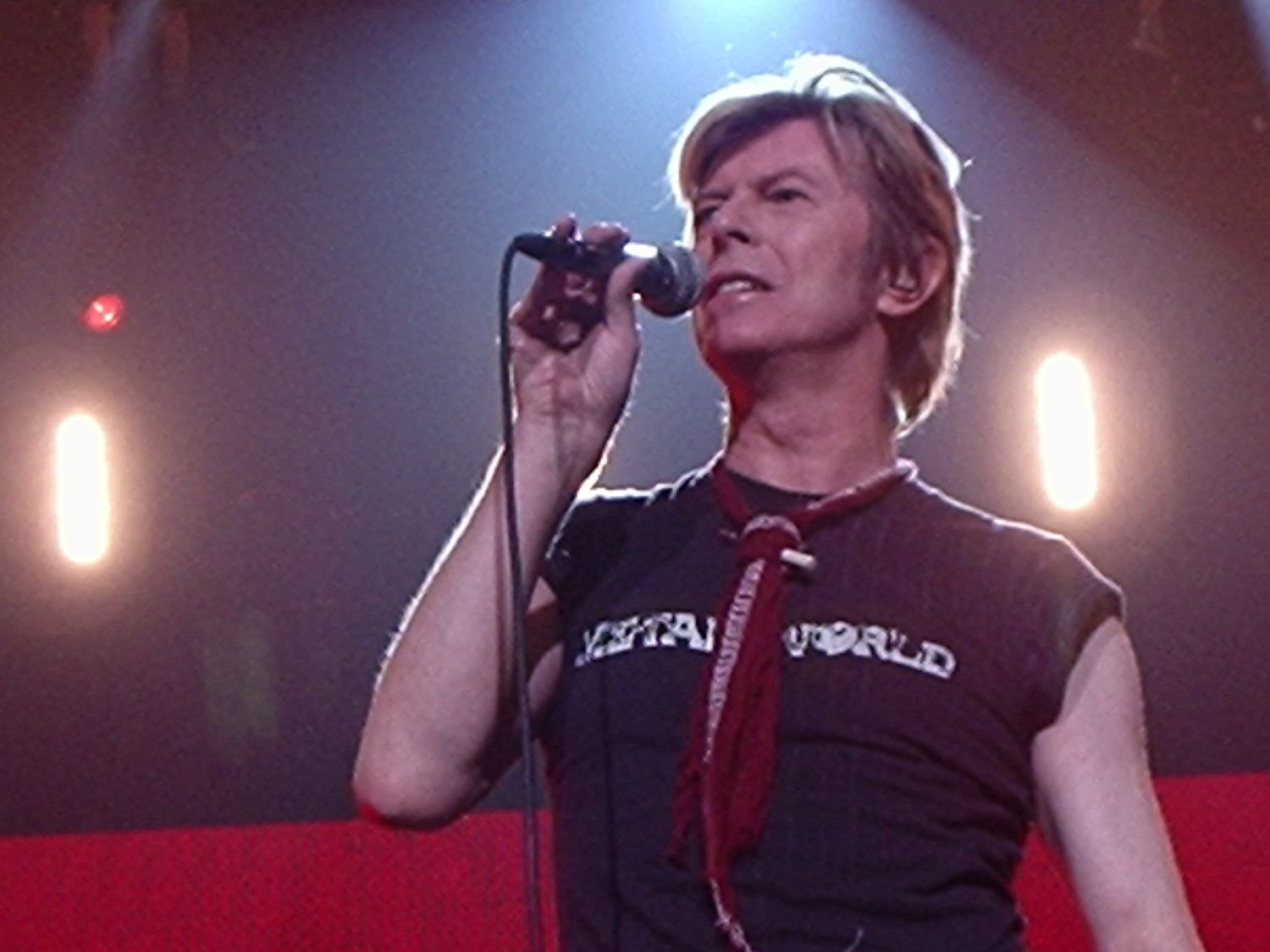 COMMUNICATE WITH T SHIRTS : DAVID BOWIE