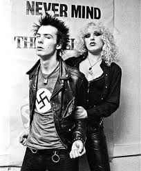 COMMUNICATE WITH T SHIRTS : SID VICIOUS