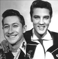 Scotty Moore, Elvis Presley Guitarist, Dead at 84