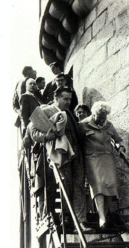 END OF THE LINE : SYLVIA BEACH OCTOBER 5 1962