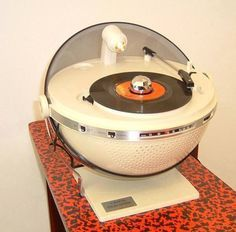 RECORD PLAYER TURNTABLES