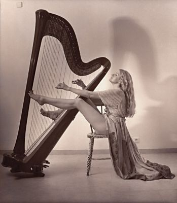 HARPS AND ANGELS