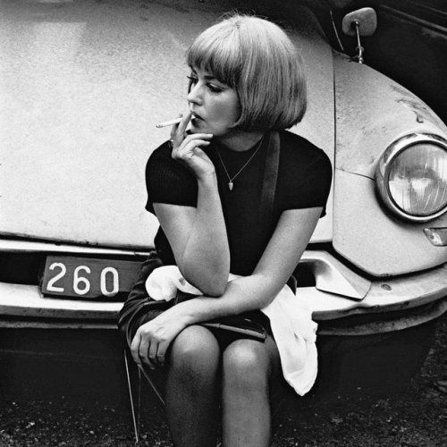 JEANNE MOREAU HOT AND SEXY