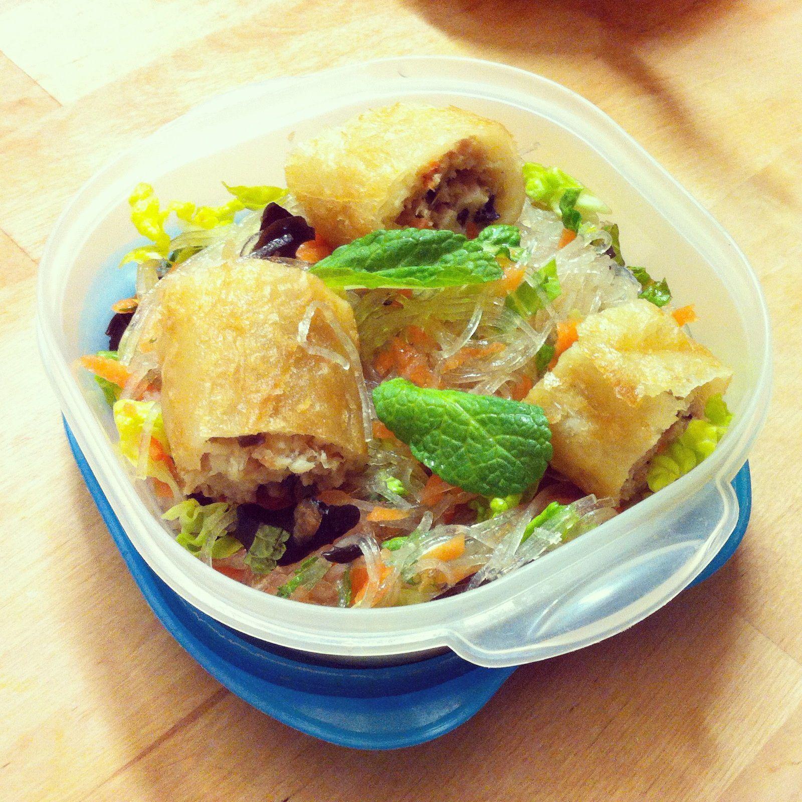 Salade de vermicelles et nems