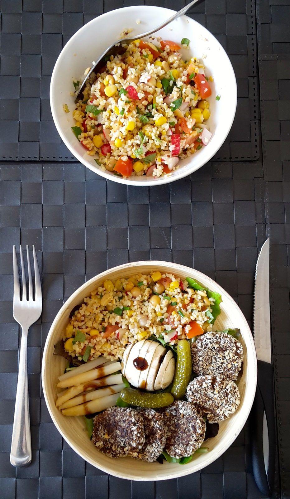 Taboulé aux céréales et légumes secs avec ses galettes de thon aux olives noires