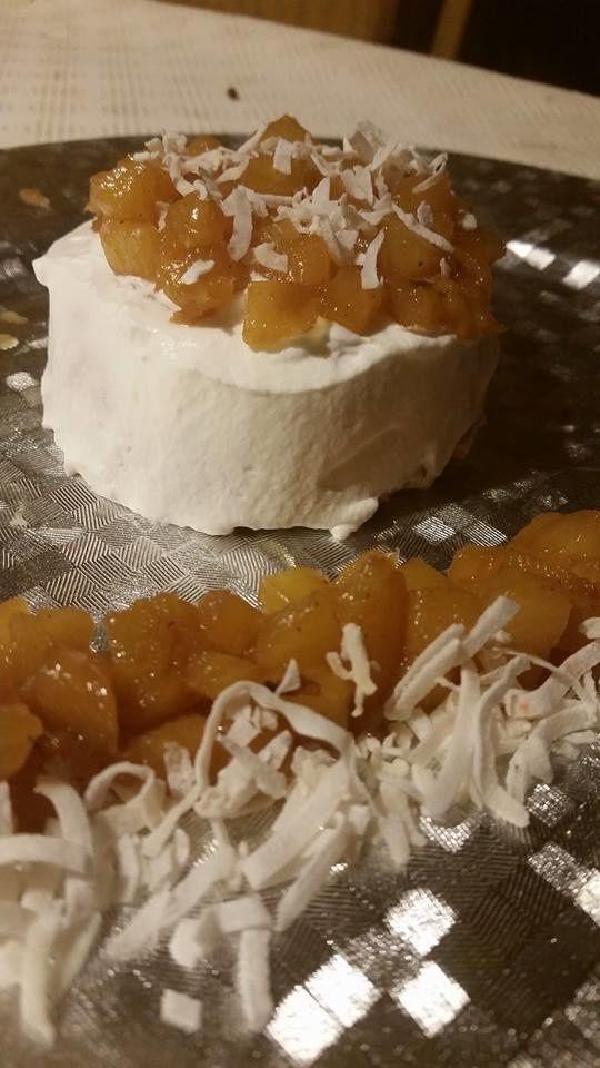 Angel Cake à la vanille, ananas rôti à la vanille et chantilly