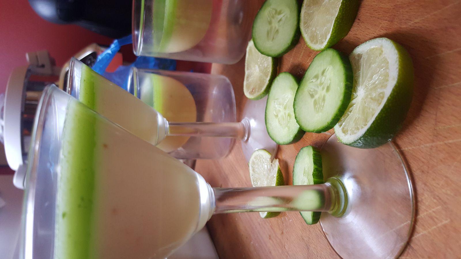 Panna cotta à la verveine et sa gelée concombre citron vert
