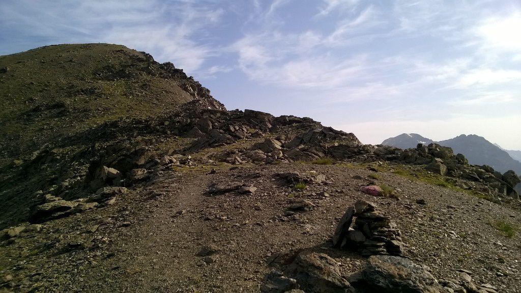 Le Pas du Lac Blanc 2935m, à gauche le Pic 2980m