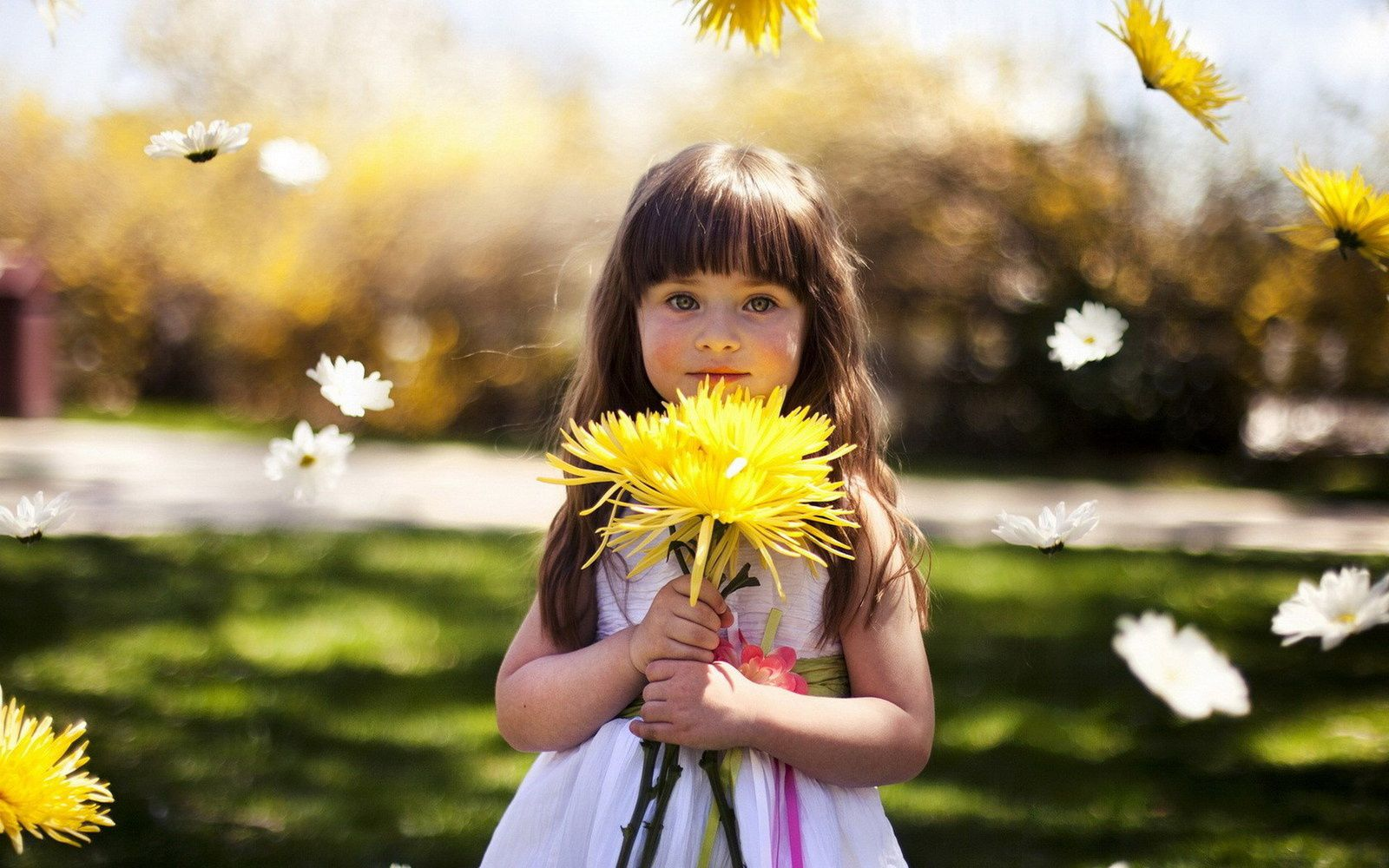 very beautiful and cute kids - flowers - love children