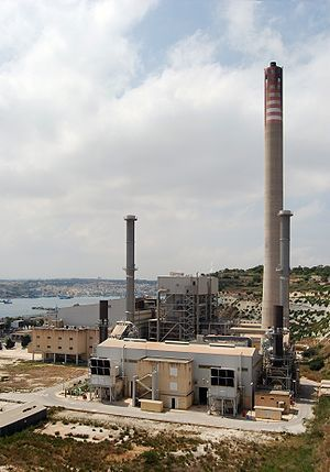 English: The oil-fired Delimara power station ...