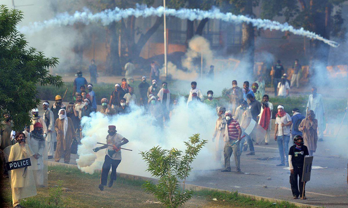 قبضہ گروپ اور عوامی احتجاج