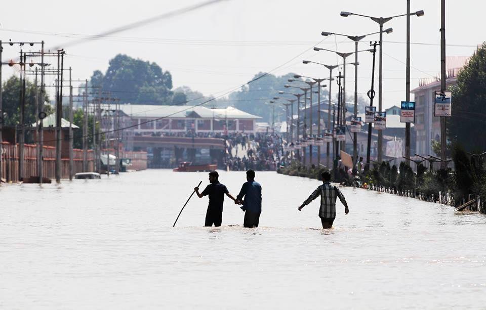 Pakistan Floods - Death Destruction and Miseries