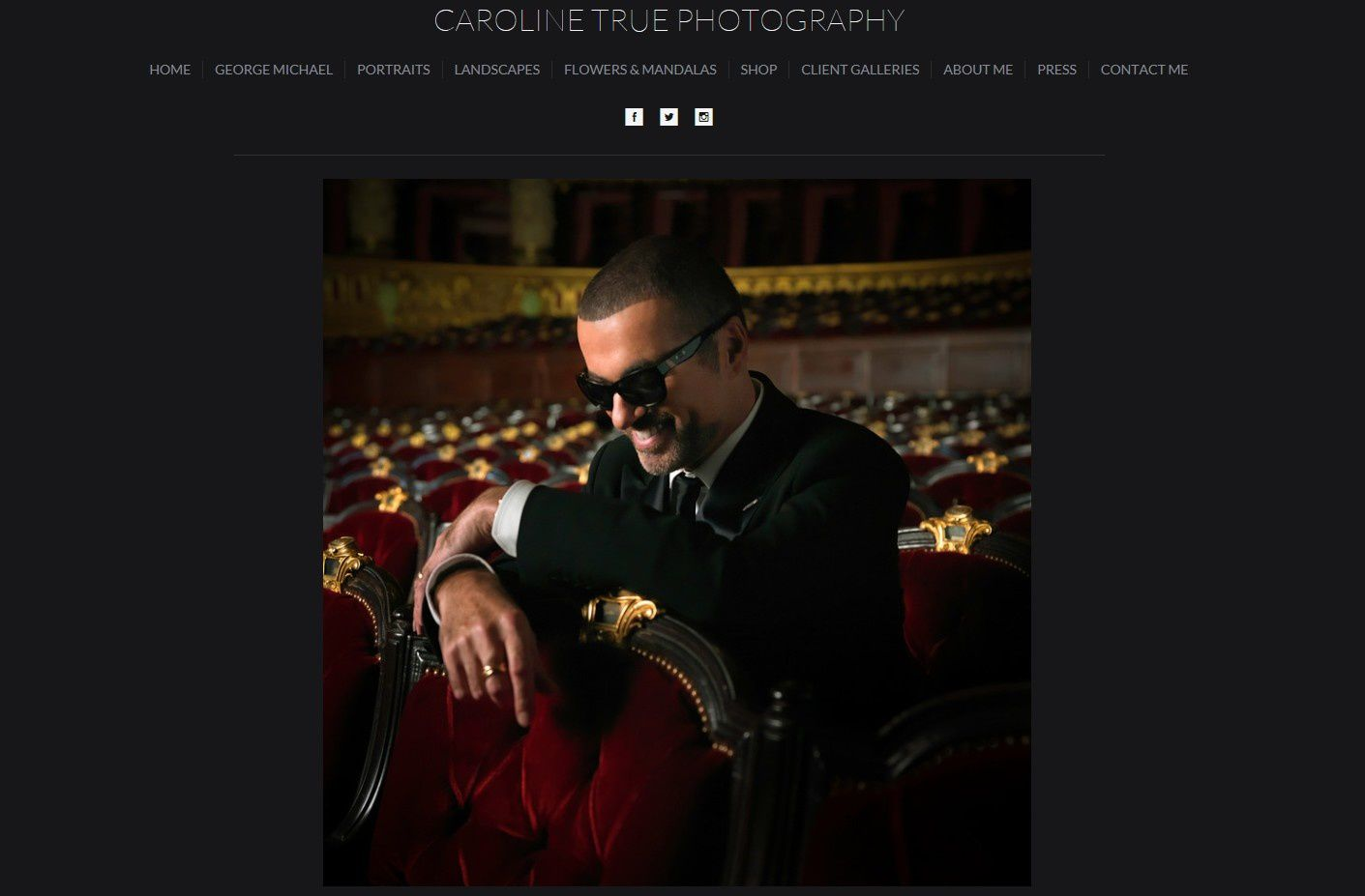 SYMPHONICA *LES PHOTOS DE CAROLINE TRUE EN VENTE *