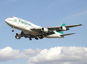 English: Boeing 747-300 of Pakistan Internatio...