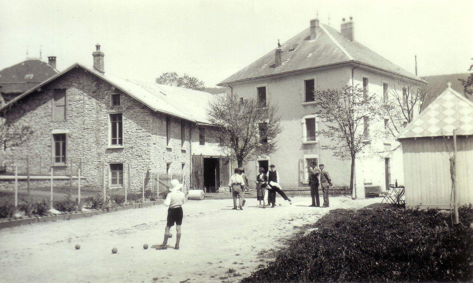 Une partie de boule en 1946.