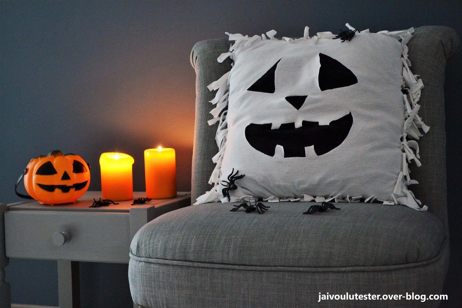 r aliser un coussin pour halloween sans rien acheter et sans couture j 39 ai voulu tester. Black Bedroom Furniture Sets. Home Design Ideas
