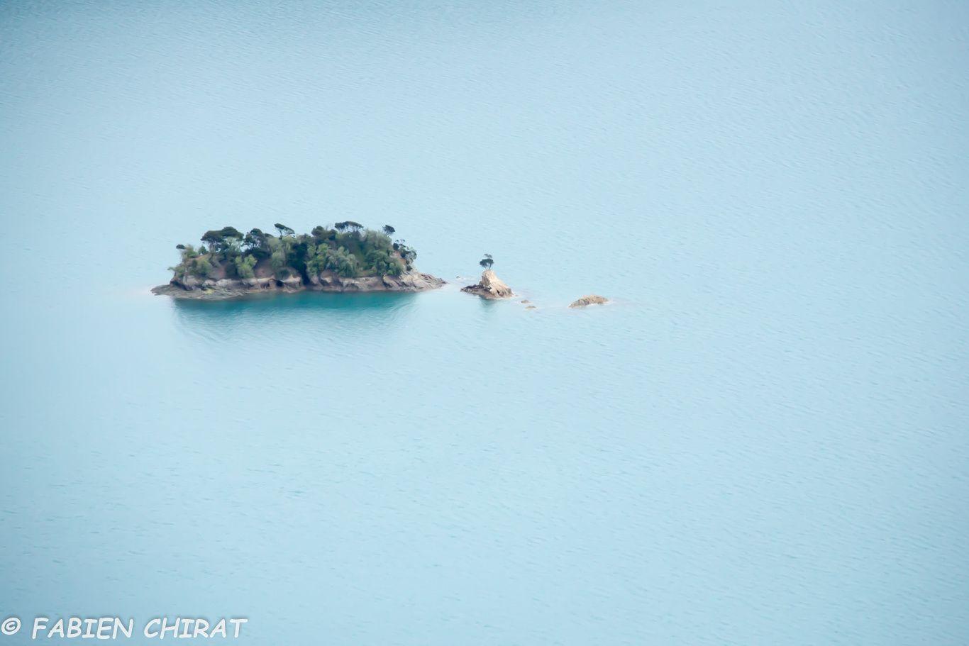 Îlots dans le fjord