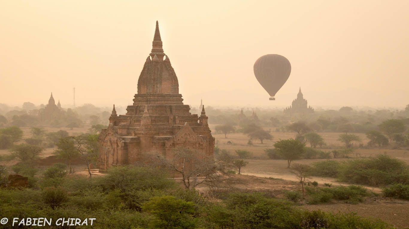 Aube à Bagan.