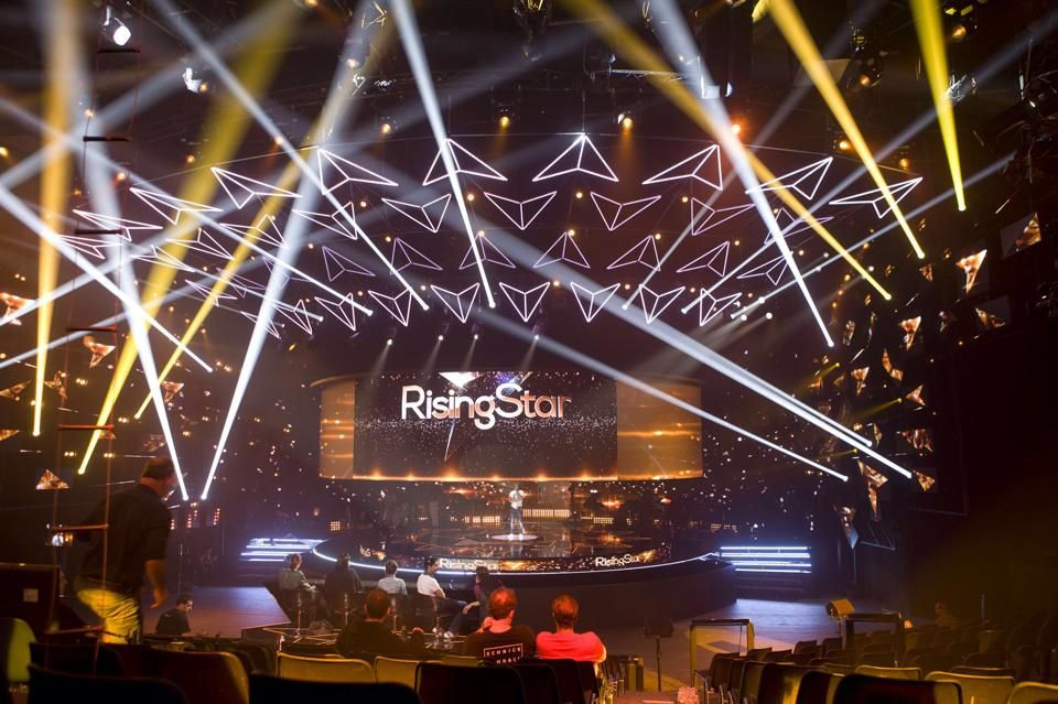 Le plateau de Rising Star sur M6 (Source : Page Facebook de Rising Star)