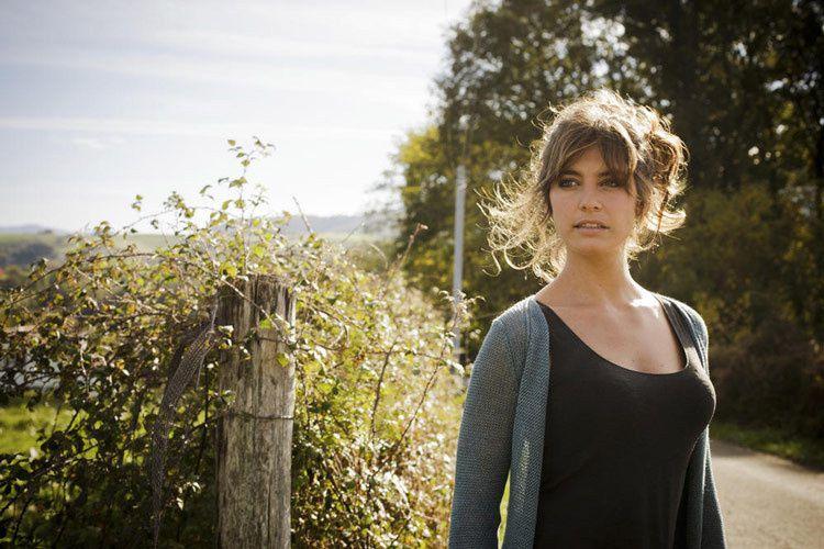 """Laëtitia Milot dans """"On se retrouvera"""" (Crédit photo : Julien Cauvin / TF1)"""