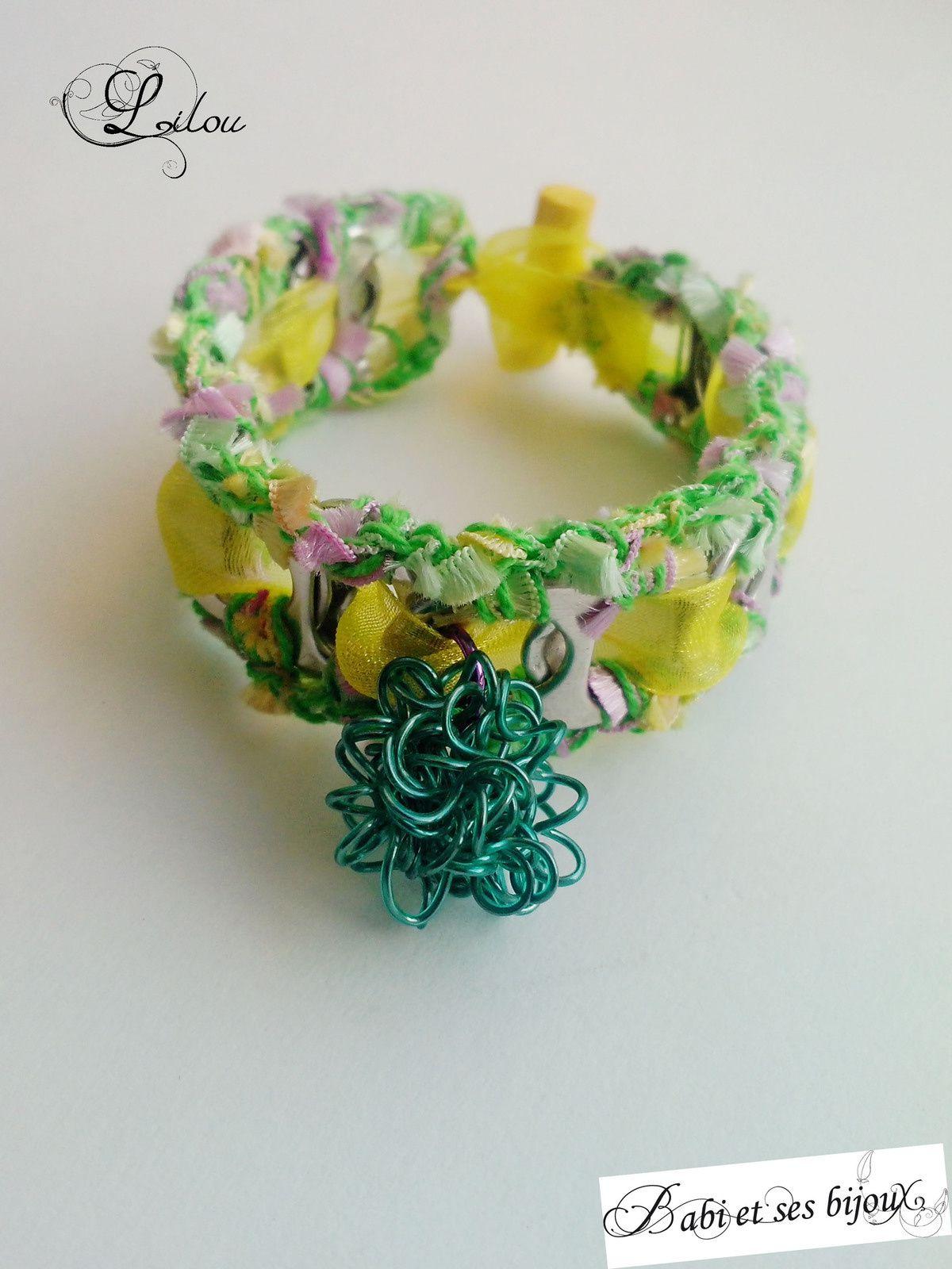 Une petite série de bracelets issus de tirettes de canettes... Ils sont tous différents... A chacun son style...