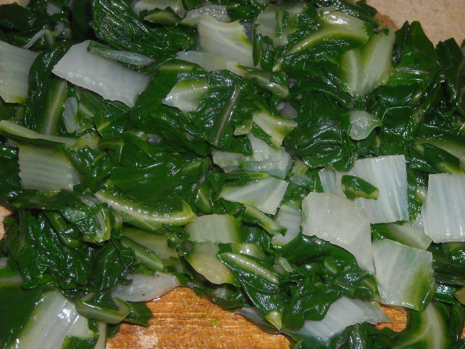 au besoin, retaillez les feuilles de bettes après cuisson