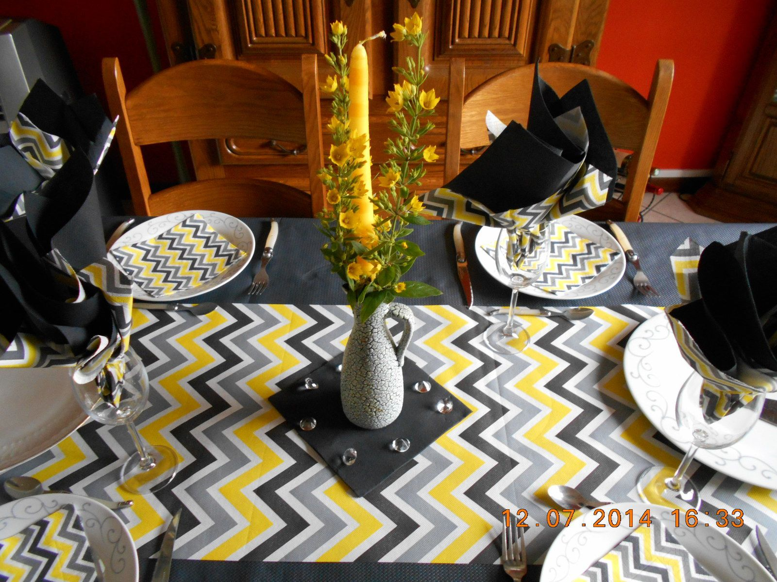 Une table zigzag....