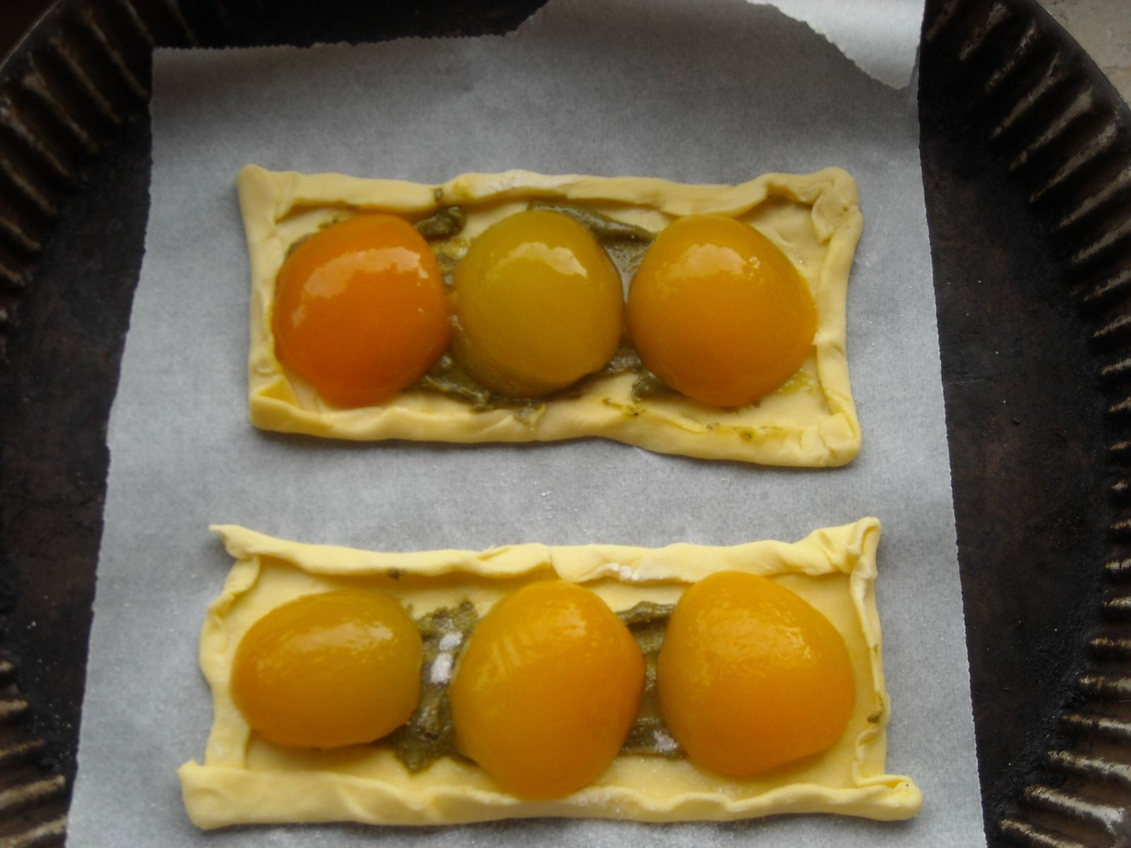 si vos fruits sont plus gros, n'hésitez pas à les trancher et à les étaler